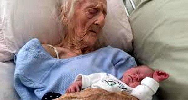 Žena u svojoj sto prvoj godini dobila bebu