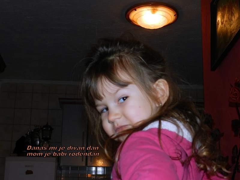 Simpatična djevojčica