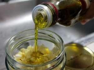 Pravljenje ulja od bijelog luka